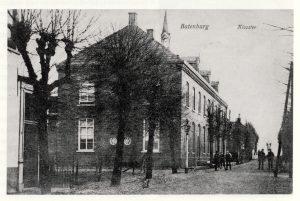 Het klooster in 1908.