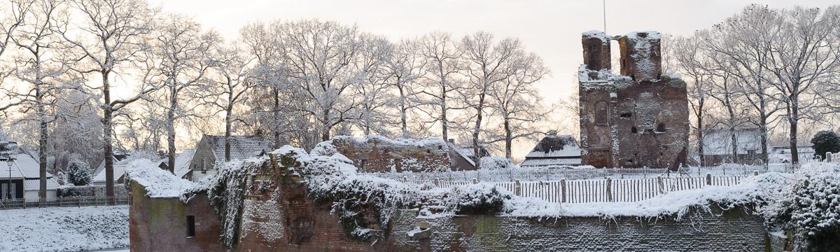 ruine van batenburg in de winter