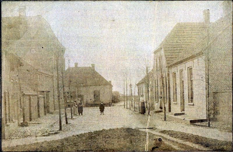 Kruisstraat in Batenburg rond 1920 (collectie HBE)